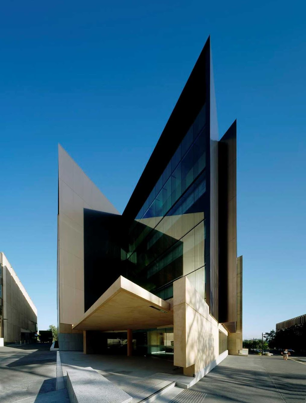 St Lucia Queensland, Australia: Sir Llew Edwards Building by Richard Kirk Architect