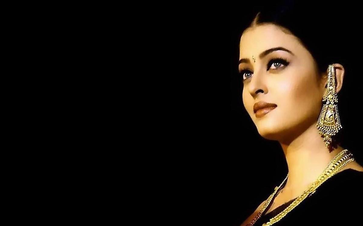 Aishwarya Rai-Bachchan Wallpaper 1