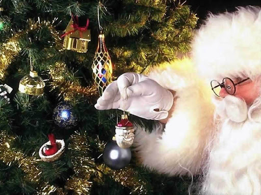 Santa-Claus-christmas-2736285-800-600.jpg