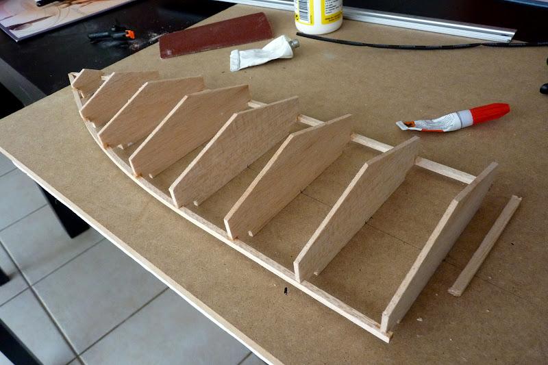 construire son bateau en bois page 15. Black Bedroom Furniture Sets. Home Design Ideas