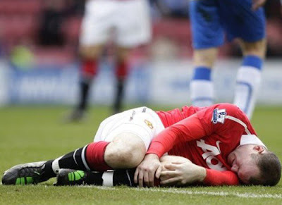 Wayne Rooney Injury Knee