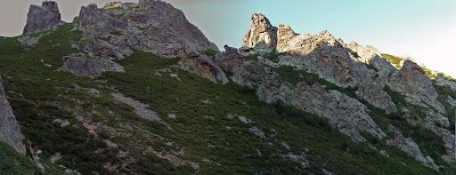 Départ au petit matin vers Bocca Meria, obliquer sur le grand couloir de gauche et le gravir jusqu'au col