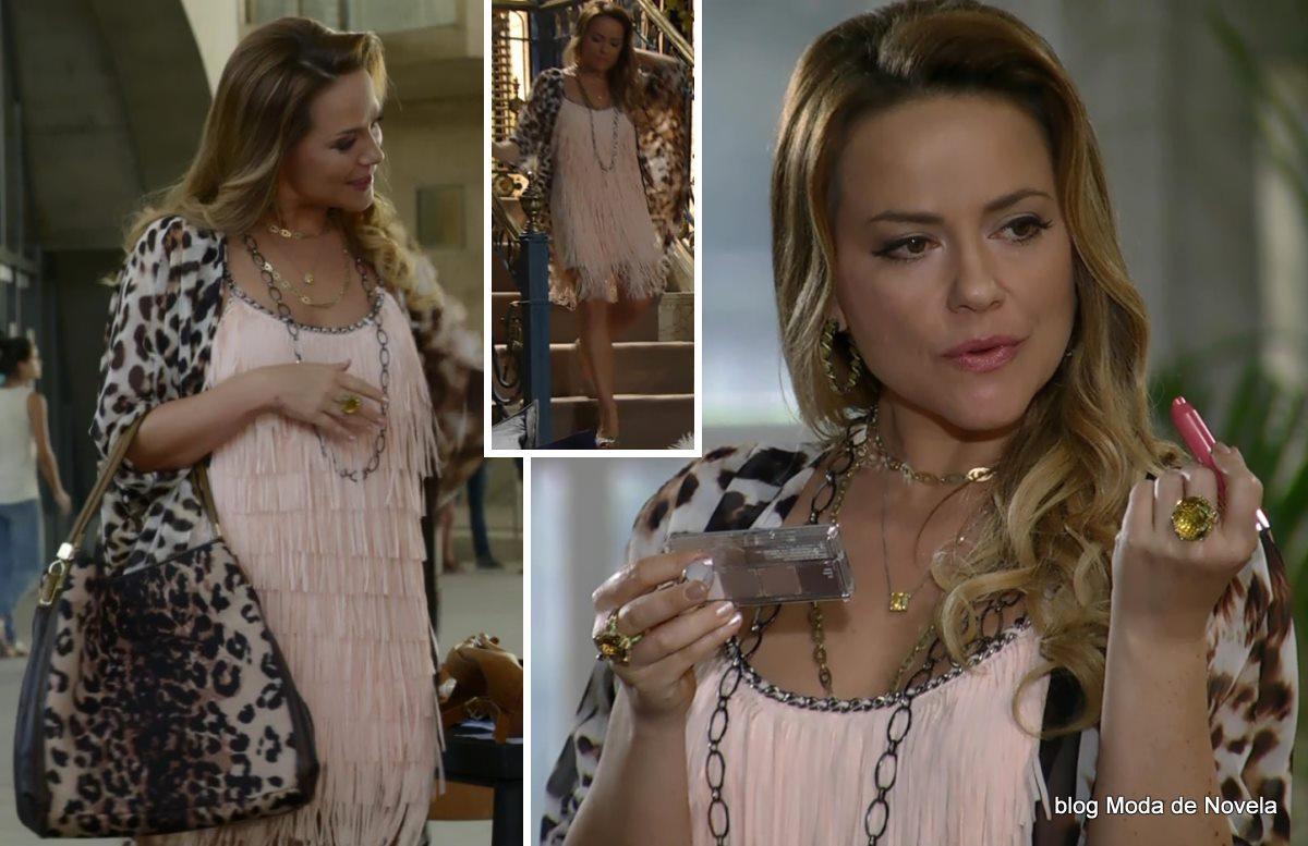 moda da novela Em Família - look da Shirley dia 18 de abril