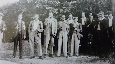 Little Shelford pub (?) outing (Chum Daniels, George Townsend (landlord) Sam Marsh, Mr Boast, Frank Townsend