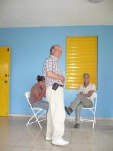 Taller sobre huertos caseros con Nelson Alvarez en las facilidades del Cañon de San Cristobal.