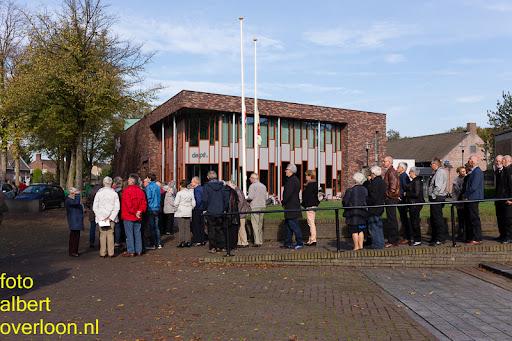 herdenkingsdienst  en een stille tocht naar het Engelse kerkhof 12-10-2014 (57).jpg