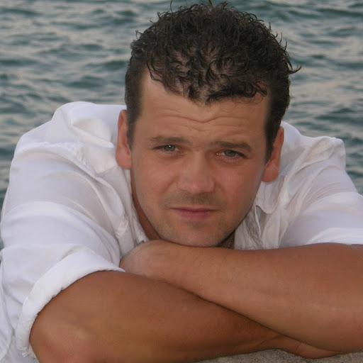 Dariusz Wojcik
