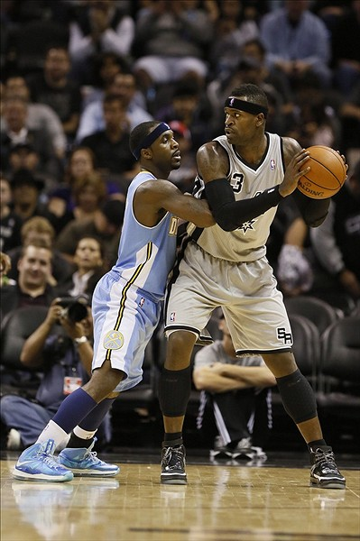 Wearing Brons LeBron X 9 and Soldier 6 Sightings all over NBA