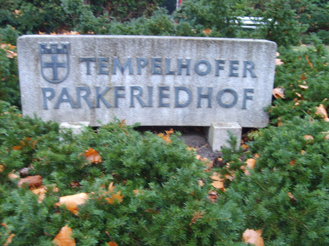 Tempelhofer Parkfriedhof