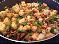 Quorn chunks, peppers and onions cooked in seasoning mix