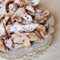 faworki-chruściki z mielonego ciasta