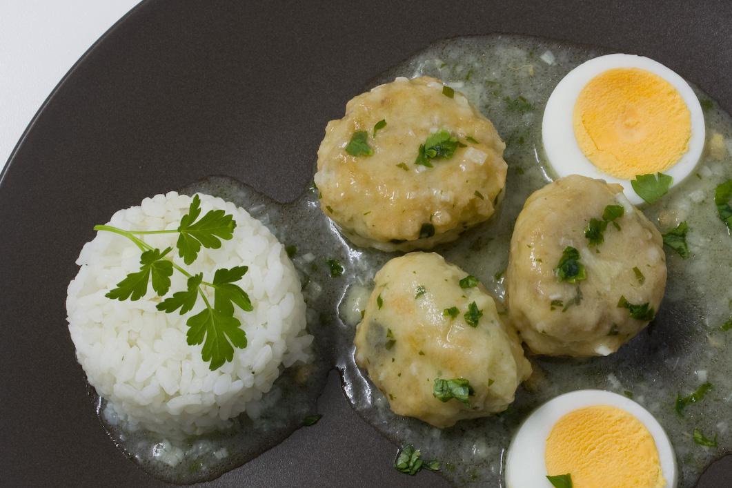 E cocinablog alb ndigas de verdel en salsa verde - Acompanamiento para albondigas ...