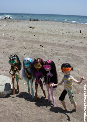 mis Monster High Gloom Beach en la playa (Estepona - Málaga)