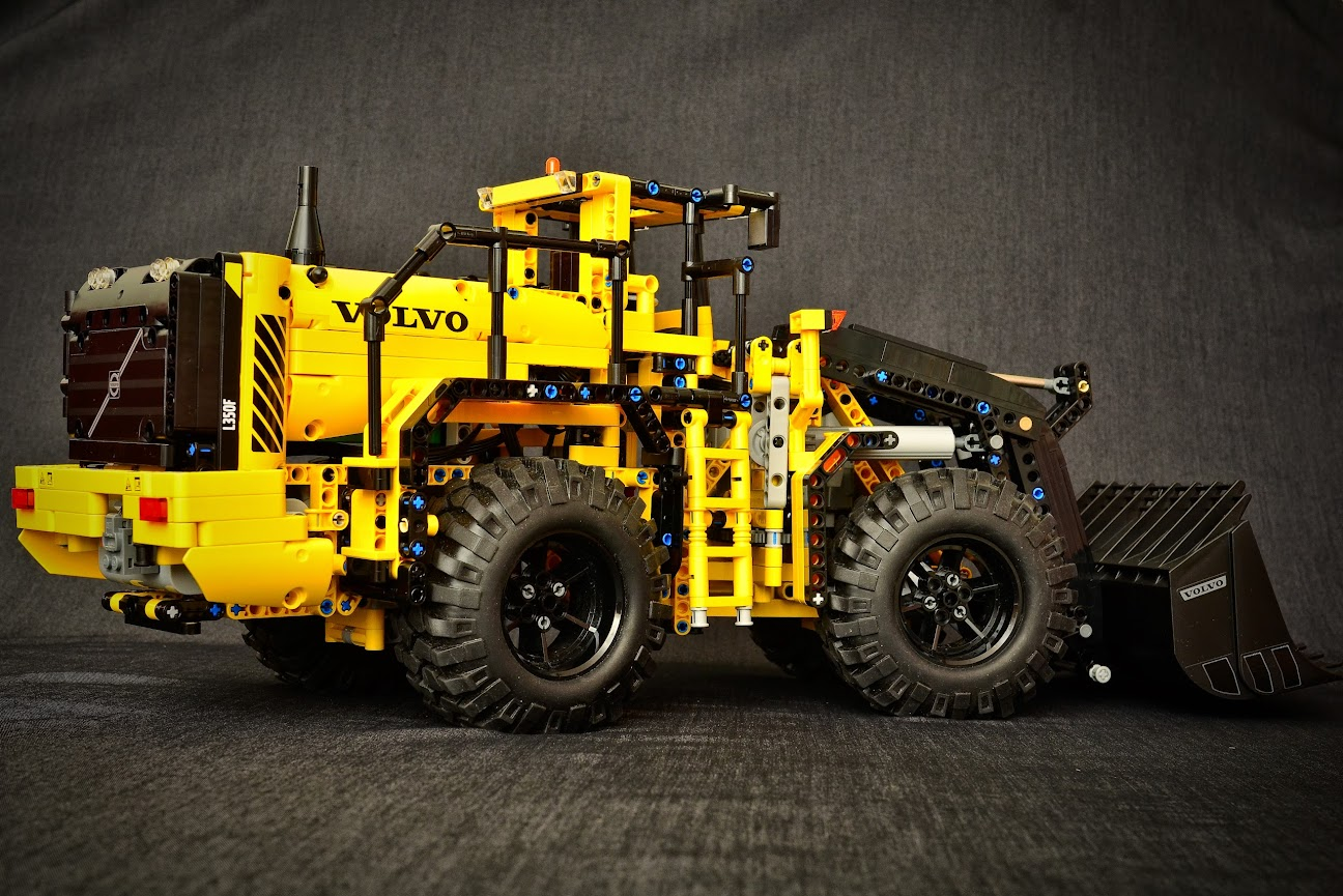 Betere 42030 - Volvo L350F Wheel Loader - Page 22 - LEGO Technic and SD-21