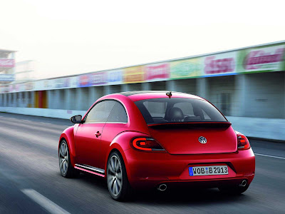 Volkswagen-Beetle_2012_1600x1200_Rear_Angle_01