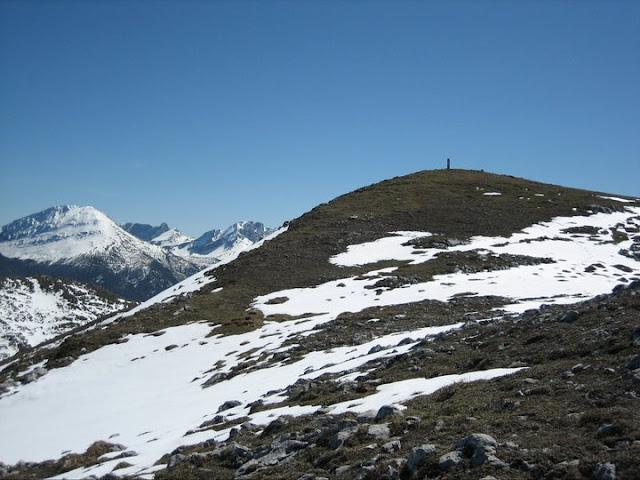 Rutas Montaña Asturias: Llegando a la cima de Peña Saleras