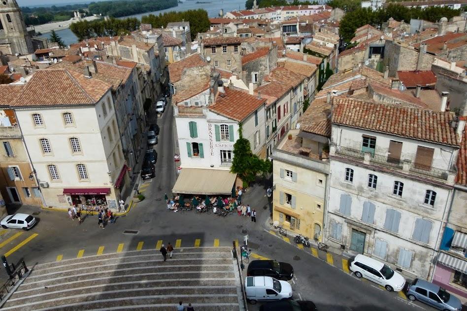 Around Arles4