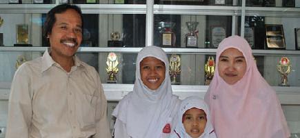 Setelah Muhammad Naufal Fakhrizal, siswa kelas 6  yang mewakili Indonesia ke Olympiade  Siswa Matematika  Internasional (IMSO) di Piliphina  dan menyabet medali perunggu pada bulan Oktober