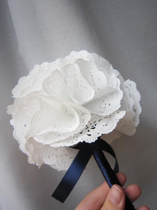 Life is beautiful doily craft - Blondas de papel ...