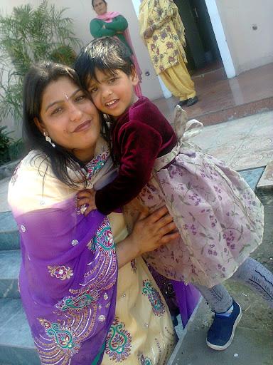 Meenu Mahajan Photo 1