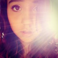 Lara Oliveira's avatar
