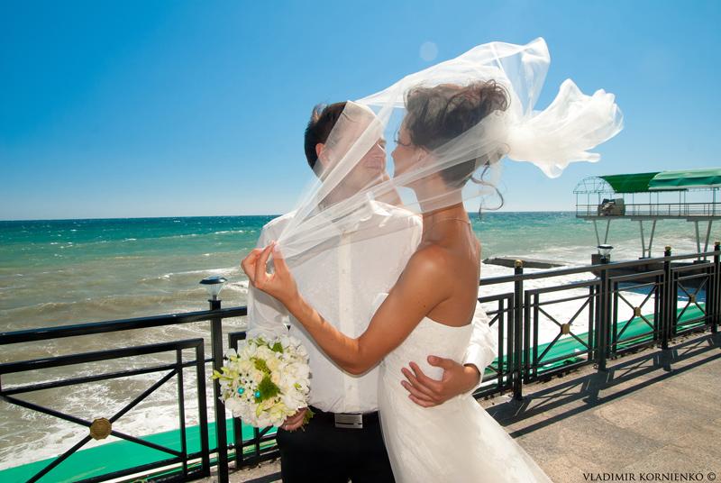 свадебная фотография, фотосъемка свадьбы, свадебный фотограф, фотограф на свадьбу,  wedding photo, wedding photographer, фото со свадьбы, фото невесты, фотосъемка свадебного банкета,Свадьба в Ялте фотосъемка венчания, свадебный репортаж, семейная фотография, love story