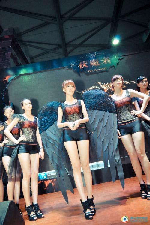 Chiêm ngưỡng dàn chân dài miên man tại Chinajoy 2012 14