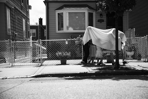 Neighborhood kids playing game scene - Photography by Lisa Weatherbee