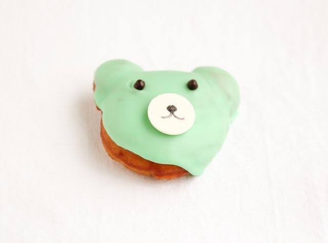 photo of one bear-shaped donut
