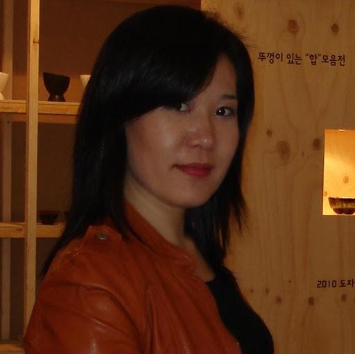 Hyunsook Kim Photo 16