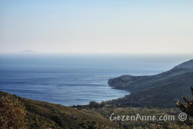 Mesudiye yollarında Datça'nın lacivert deniz manzaraları
