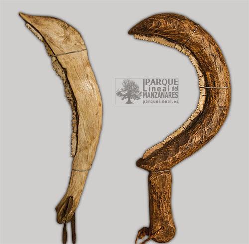 Dientes de hoz encastrados en mangos de madera. Museo del Meson del Cid. Morata de Tajuña.