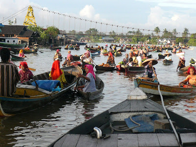 floating market in Kalimantan, Indonesia