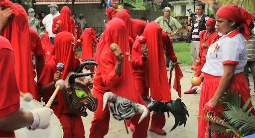 Diablos y diabla de Yare en el día de Corpus Christi en San Francisco de Yare, Municipio Bolivar, Miranda Venezuela