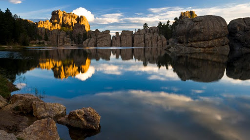 Sylvan Lake, Custer State Park, South Dakota.jpg
