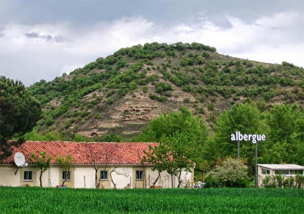 Albergue de peregrinos San Luis de Francia, Villamayor del Río, Burgos :: Albergues del Camino de Santiago