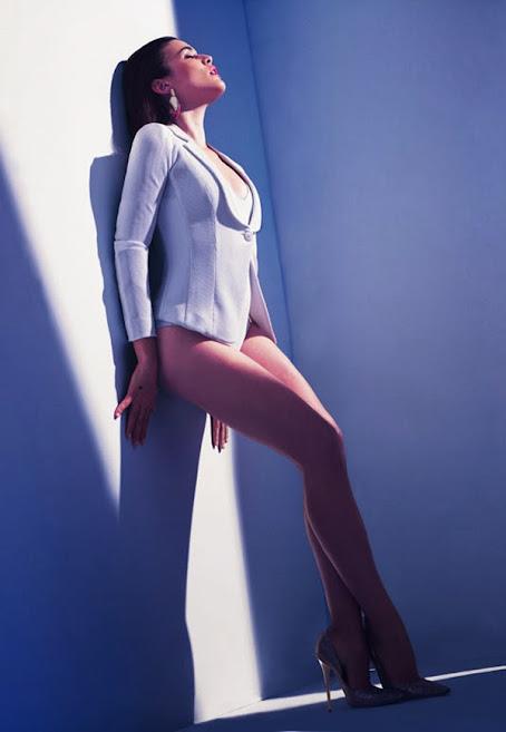 Adriana Ugarte sexy