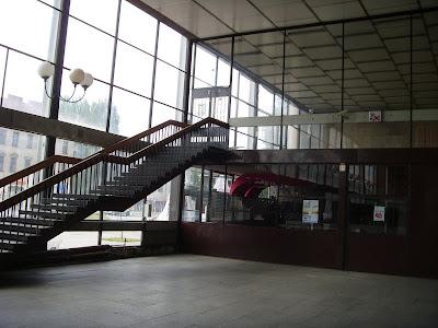オシフィエンチム駅のホール