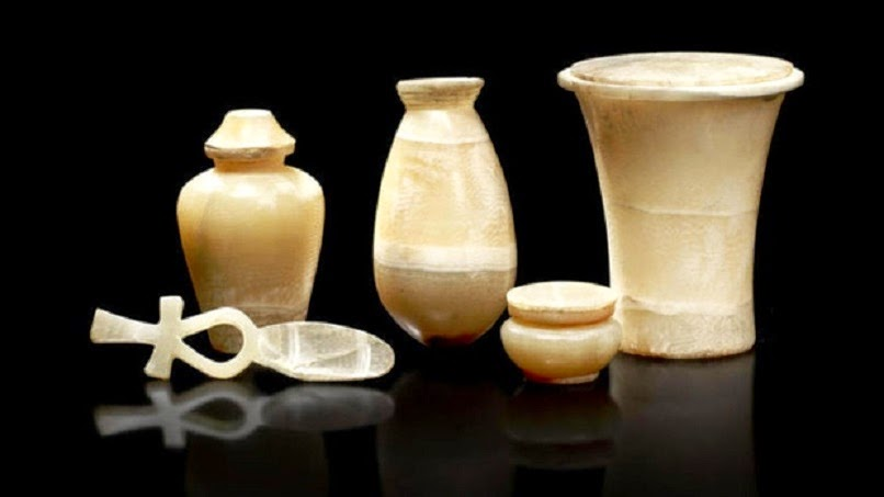 Near East: Auction of ancient Egyptian relics averted