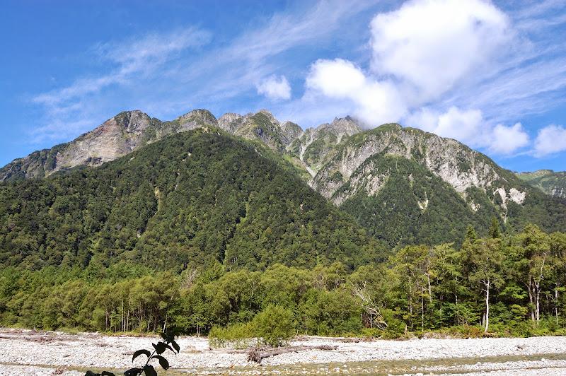 徳澤への道の途中、明神岳