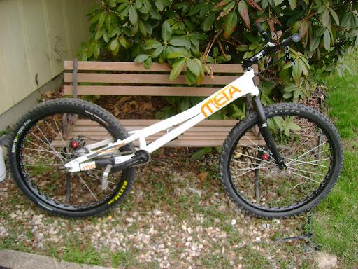 newbie help, bike set-up + advice .. DSC08412