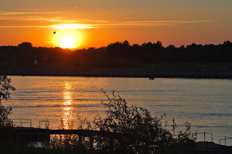 Gorgova apus Delta Dunării apă caiac