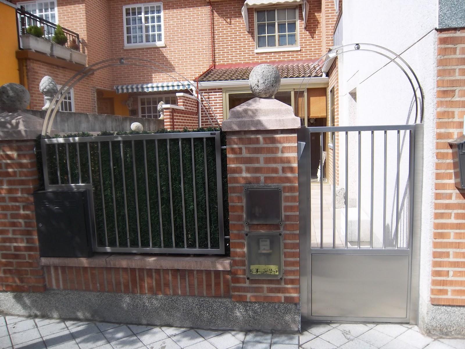 Norbel carpinteria met lica y acero inoxidable puerta for Puerta balcon