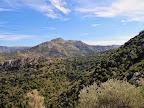 Το βουνό του Κοσκινά όπως φαίνεται από τη βραχοπλαγιά του καταρράκτη