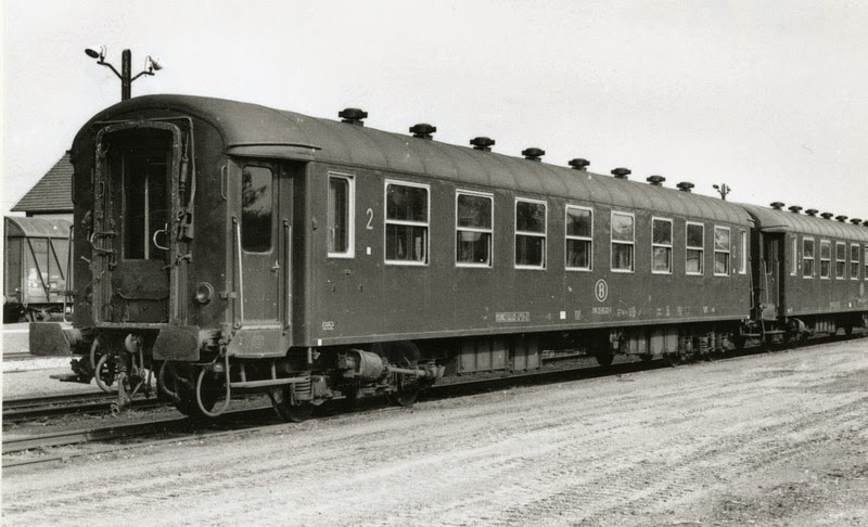 I2 B8 ex A8  (12152)  A13750.jpg