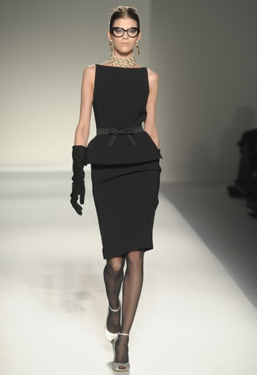 75e0ace406 HIDE AND CHIC: MOSCHINO FALL 2011