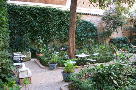Revisi n interior caf del jard n for Cafe el jardin madrid