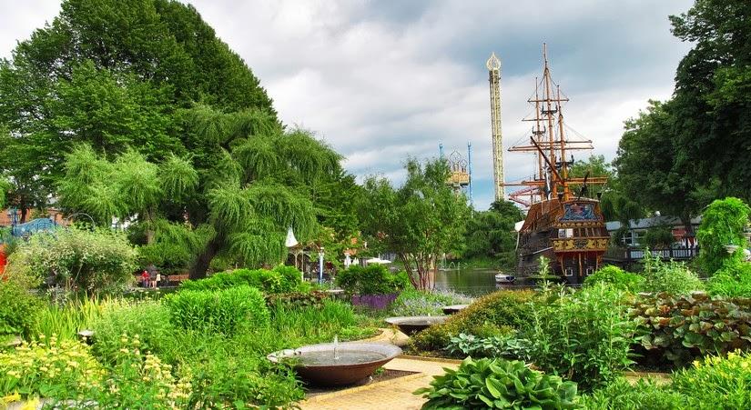 Viaje a copenhague parque de atracciones tivoli for Jardines tivoli zona 9