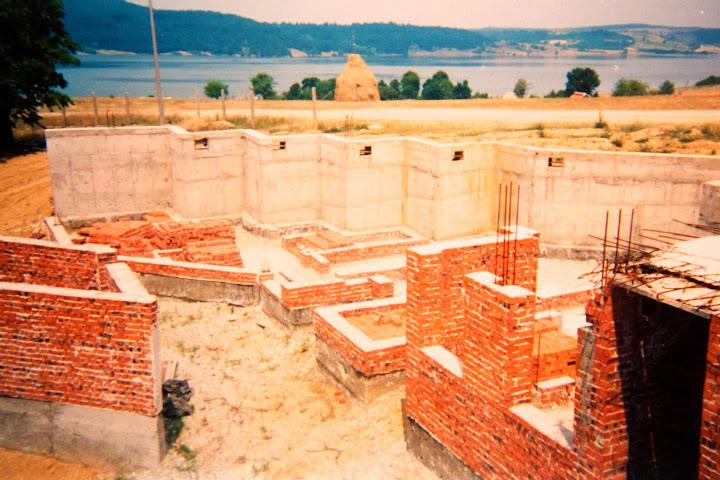 Imagini din timpul construcției Centrului