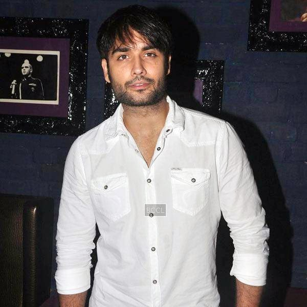 Vivian Dsena poses for the lens during Ankit Tiwari's live concert, held at Hard Rock Cafe, on July 11, 2014.(Pic: Viral Bhayani)